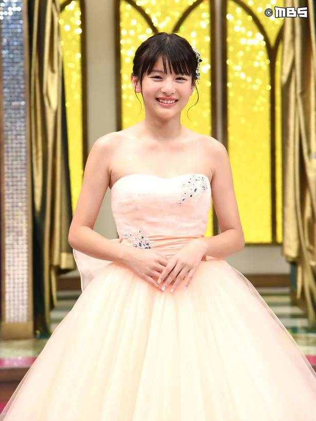 Deguchi Natsuki ใส่ชุดแต่งงาน