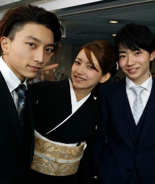 รูปของโกโตะ มากิ, น้องชาย และหลานชายของเธอ